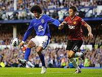 Fellaini (Everton)- Carrick (Manchester United)