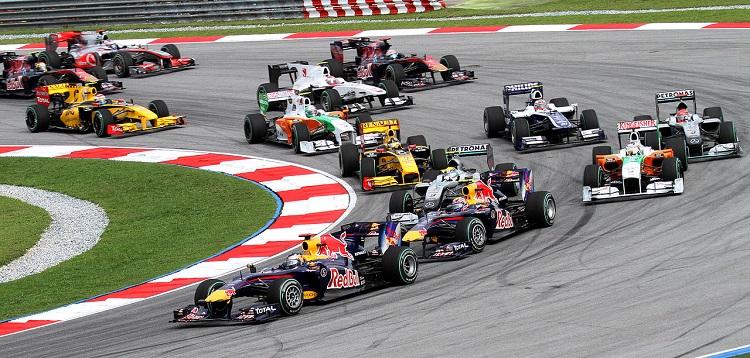 1280px-2010_Malaysian_GP_opening_lap