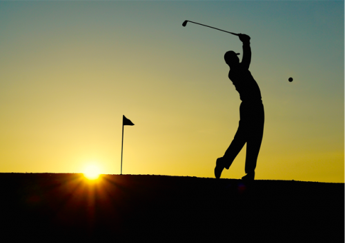 golf-sunset-sport-golfer © pexels.com